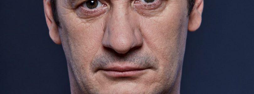 """Iura Luncaşu se reîntoarce la comedie, din 8 decembrie, cu """"Ghinionistul"""""""